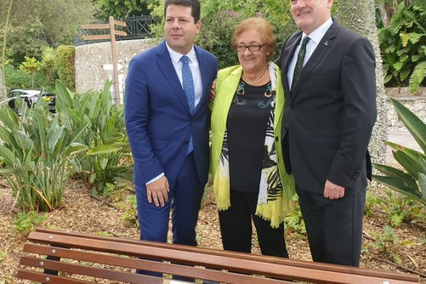 GibSams Memory Bench with GibSams Patron, His Excellency Lt General Ed Davis, Chief Minister Fabian Picardo and Marielou Guerrero Chairperson of the Charity